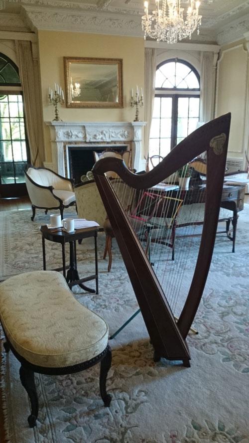 harp-in-parlour